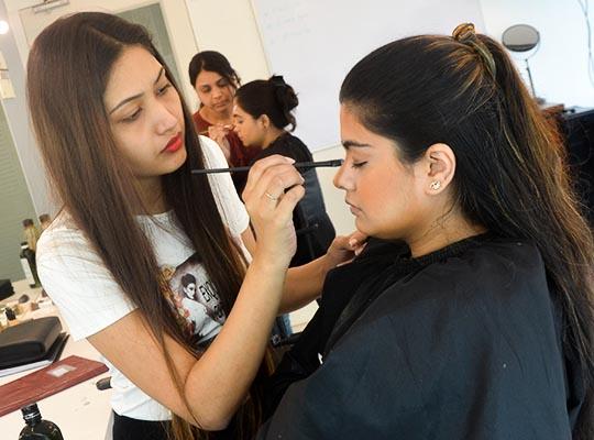 No 1 Makeup Academy In Mumbai Makeup Hair Artist Courses In Mumbai